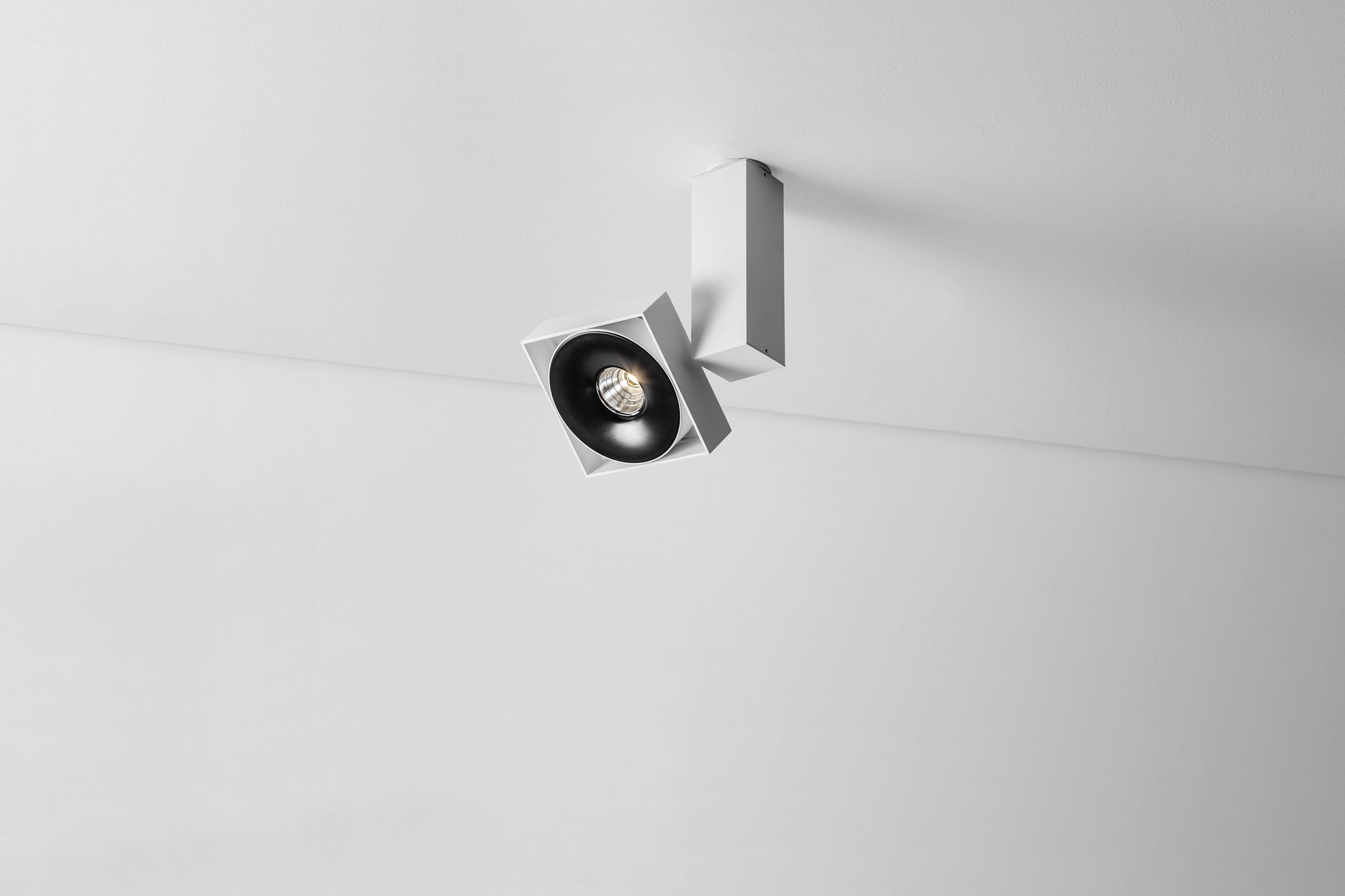 ROBOTIC Q1 edge.LED